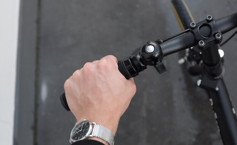 Pyora black handlebars with bell